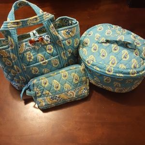 Vera Bradley Bags - Vera Bradley Make-up Bag Set